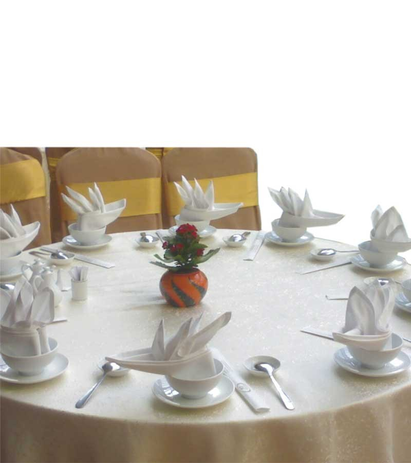 Runde Tischdecke mit Spitze 135cm
